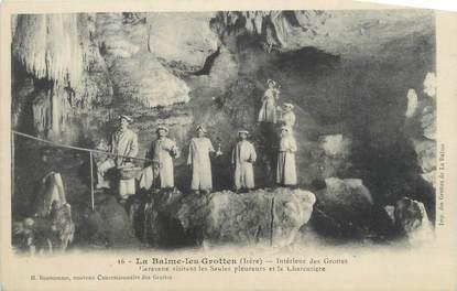 """CPA FRANCE 38 """" La Balme les Grottes, L'intérieur des grottes, caravane visitant le saules pleureurs et la charcuterie"""""""