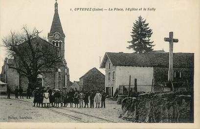 """CPA FRANCE 38 """" Optevoz, La place, l'église et le Sully"""""""