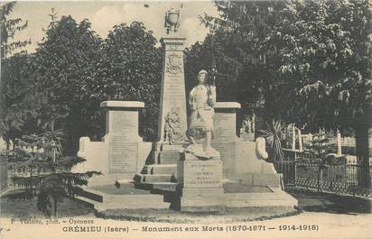 """CPA FRANCE 38 """" Crémieu, Le monument aux morts"""""""