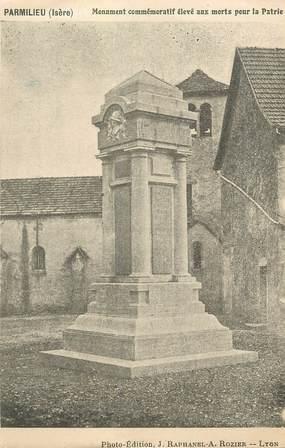 """CPA FRANCE 38 """" Parmilieu, Le monument aux morts"""""""