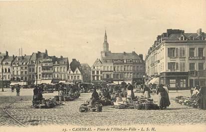 """CPA FRANCE 59 """"Cambrai, Place de l'Hôtel de Ville"""""""