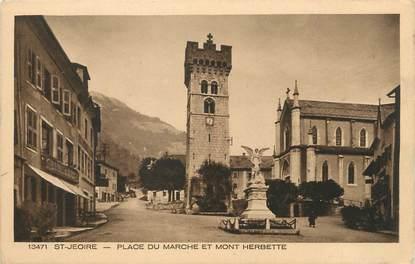 """CPA FRANCE 74 """"St Jeoire en Faucigny, Place du marché et le Mont Herbette"""""""