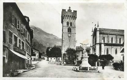 """CPSM FRANCE 74 """"St Jeoire en Faucigny, Place du marché et Mont Herbette"""""""
