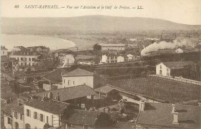 "CPA FRANCE 83 "" St Raphaël, Vue sur l'aviation et le Golf de Fréjus"""