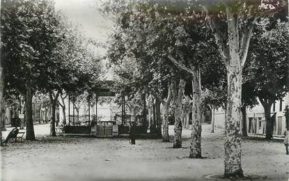 """CPSM FRANCE 83 """" Les Arcs sur Argens, Place de l'Hôtel de Ville"""""""