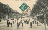 """84 Vaucluse CPA FRANCE 84 """" Avignon, La Place de l'Hôtel de Ville"""""""