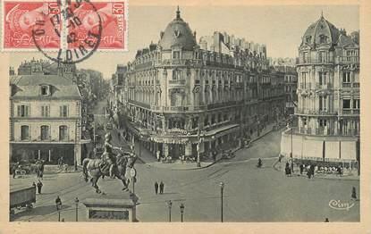 """CPA FRANCE 45 """" Orléans, Place du Martroi, Statue de Jeanne d'Arc"""""""
