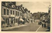 """80 Somme CPA FRANCE 80 """"Doullens, Rue du Bourg"""""""