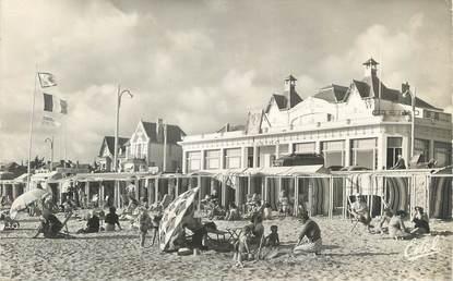 """CPSM FRANCE 44 """" Pornichet, La plage devant le casino"""""""