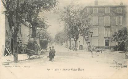 "CPA FRANCE 84 ""Apt, Avenue Victor Hugo"""