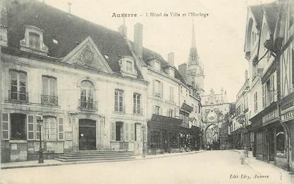 """CPA FRANCE 89 """"Auxerre, L'Hôtel de ville et l'horloge"""""""