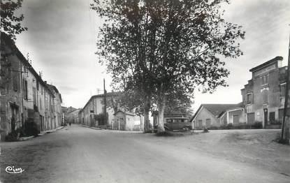 """CPSM FRANCE 84 """" La Tour d'Aigues, Coopérative Vinicole et Faubourg de Trest"""""""