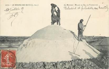 "CPA FRANCE 44 "" Bourg de Batz, Mulon de sel en formation"""