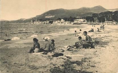 """CPA FRANCE 83 """"Hyères, L'Almanarre, scènes de plage"""""""