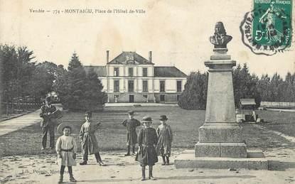 """CPA FRANCE 85 """"Montaigu, Place de l'Hôtel de Ville"""""""