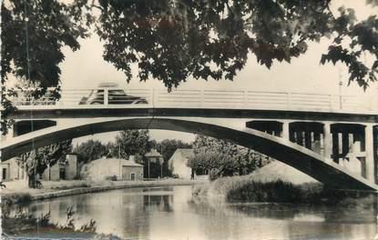 """CPSM FRANCE 11 """" La Redorte, Pont du canal et port"""""""