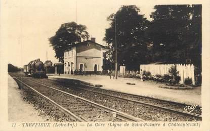 "CPA FRANCE 44 "" Treffieux, La gare"" / TRAIN"