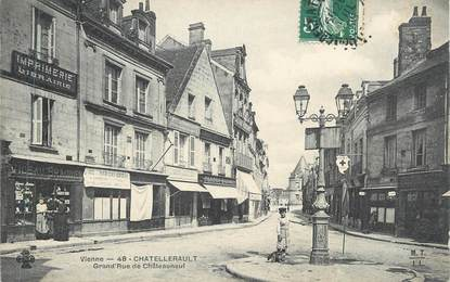 """CPA FRANCE 86 """"Chatellerault, Grande rue de Chateauneuf"""""""