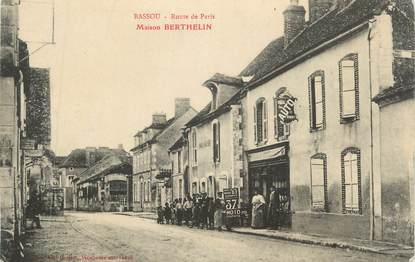 "CPA FRANCE 89 "" Bassou, Route de Paris, Maison Berthelin"""