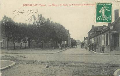 """CPA FRANCE 89 """" Courgenay, La Place et la Route de Villeneuve l'Archevêque"""""""