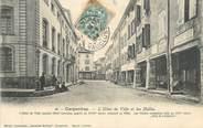 """84 Vaucluse CPA FRANCE 84 """" Carpentras, L'Hôtel de Ville et les Halles"""""""