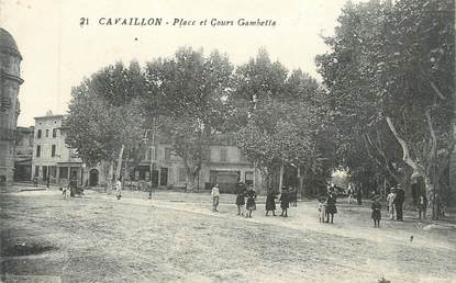 """CPA FRANCE 84 """"Cavaillon, Place et Cours Gambetta"""""""