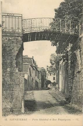 """CPA FRANCE 12 """"Sauveterre, Porte Sénéchal et rue Fléguignon"""""""