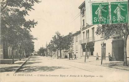 """CPA FRANCE 69 """" Tassin la Demi Lune, L'Hôtel du Commerce Régny et Avenue de la République"""""""