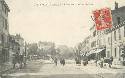 """CPA FRANCE 69 """" Villeurbanne, Place des Maisons Neuves"""""""