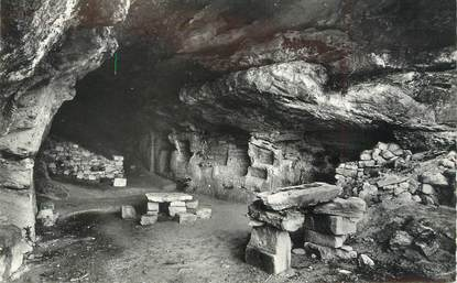 "CPSM FRANCE 84 ""Barry, Une caverne du Village troglodytique "" / ARCHEOLOGIE"