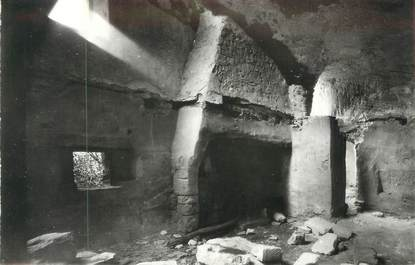 "CPSM FRANCE 84 Barry, Une caverne du Village troglodytique "" / ARCHEOLOGIE"
