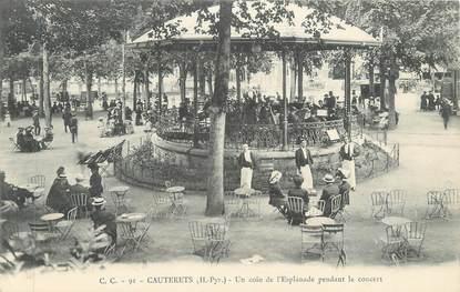 "CPA FRANCE 65 "" Cauterets, Un coin de l'esplanade penant le concert''"