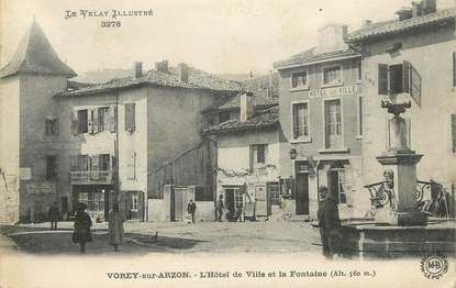 """CPA FRANCE 43 """" Vorey sur Arzon, L'Hôtel de Ville et la fontaine"""""""