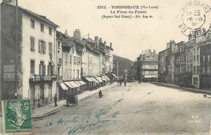 """CPA FRANCE 43 """" Yssingeaux, La Place du Foiral"""""""