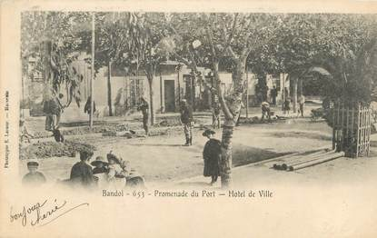 "CPA FRANCE 83 "" Bandol, Promenade du port, Hôtel de Ville"""