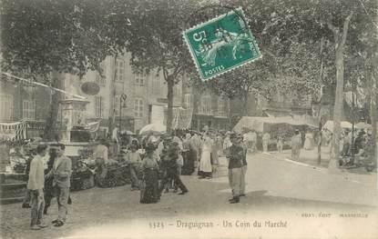 """CPA FRANCE 83 """" Draguignan, Un coin du marché"""""""