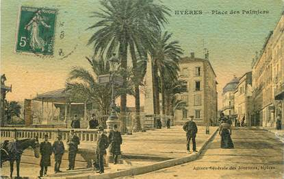 """CPA FRANCE 83 """"Hyères, Place des Palmiers"""""""