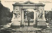 "30 Gard CPA FRANCE 30 "" Nimes , Le monument aux morts"""