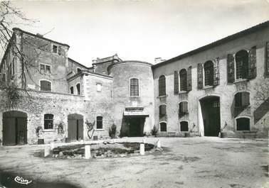 """CPSM FRANCE 83 """" La Verdière, Entrée du Château de Forbin"""""""