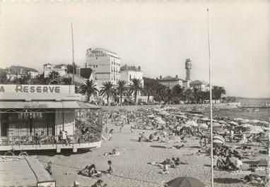 """CPSM FRANCE 83 """"St Raphaël, La plage et l'Hôtel des Algues"""""""