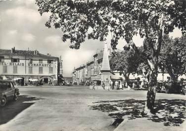 """CPSM FRANCE 83 """" St Maximin - La Ste Baume, La fontaine et l'Avenue Albert 1er"""""""