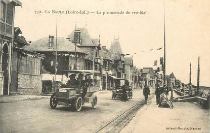 "CPA FRANCE 44 ""La Baule, La promenade du remblai"""