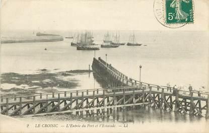"""CPA FRANCE 44 """"Le Croisic, Entrée du Port et l'Estacade"""""""
