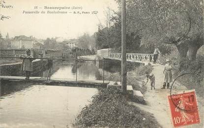 """CPA FRANCE 38 """" Beaurepaire, Passerelle du Boulodrome"""""""