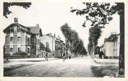 """CPSM FRANCE 38 """" Beaurepaire, Le Boulevard de la Gare"""""""