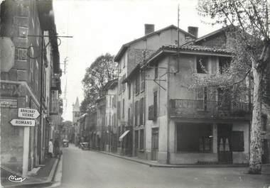 """CPSM FRANCE 38 """"Beaurepaire, Rue de la République"""""""