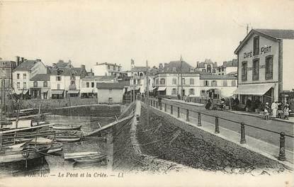 """CPA FRANCE 44 """"Pornic, le pont et la criée"""""""