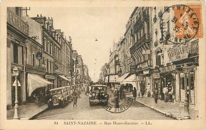 "CPA FRANCE 44 ""Saint Nazaire, Rue Henri Gautier"""