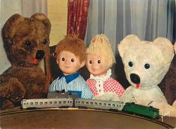 """CPSM SERIE TV ENFANT """" Bonne Nuit les Petits, Nounours et ses neveux jouant au train électrique"""""""