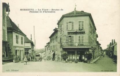 """CPA FRANCE 38 """" Morestel, La place et les Routes de Passin et d'Arandon"""""""